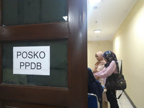 Wali Murid di Tangerang Keluhkan Pendaftaran PPDB Online