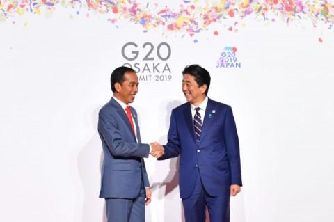 Meski Singkat, Pertemuan Jokowi-Abe Capai Hasil yang Diinginkan