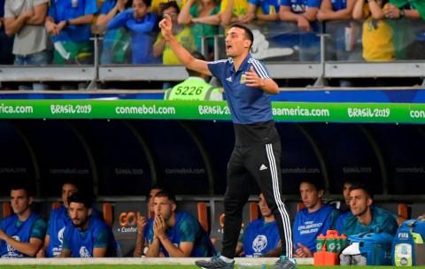 Pelatih Argentina tidak Pusingkan Masa Depannya