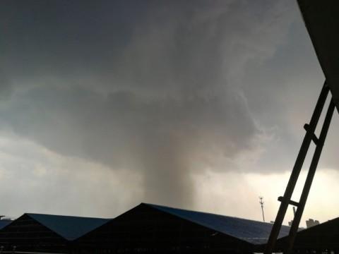 Tornado Terjang Tiongkok, Enam Orang Tewas