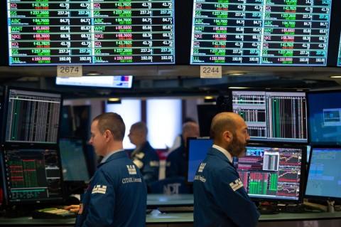 Harapan Penurunan Suku Bunga Meredup, Wall Street Merosot