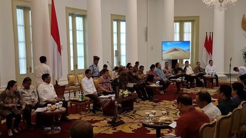 Jokowi Ingatkan Menteri Jonan dan Rini di Sidang Kabinet