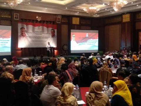 Mensos Buka Kegiatan Penanganan Fakir di Bandung