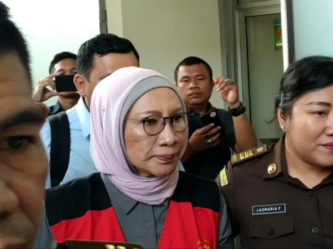 Ratna Sarumpaet Ditegur karena Membawa Tas saat Sidang