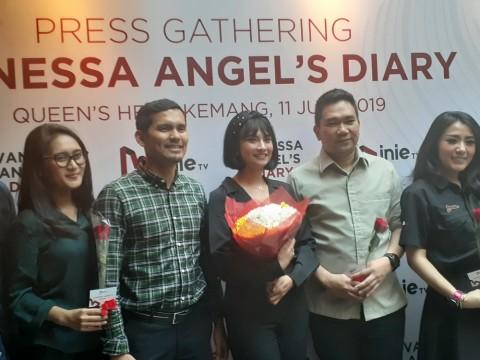 Pengacara Bantah Jalin Hubungan Asmara dengan Vanessa Angel
