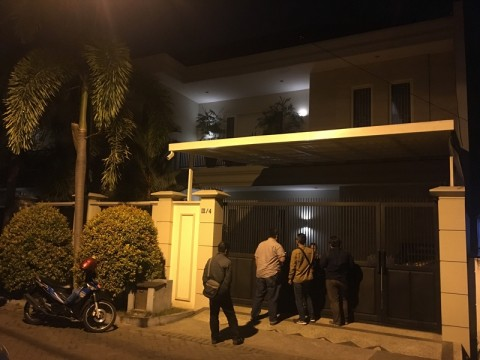 KPK Geledah Rumah Komisaris Bank Jatim