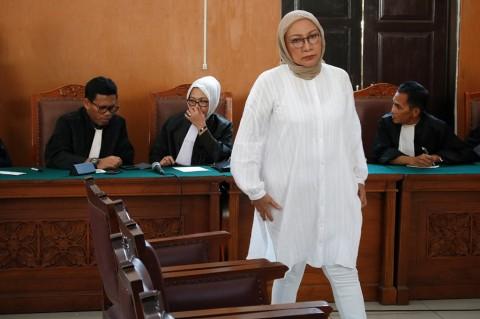Publik Figur, Pertimbangan Hakim Vonis Ratna 2 Tahun