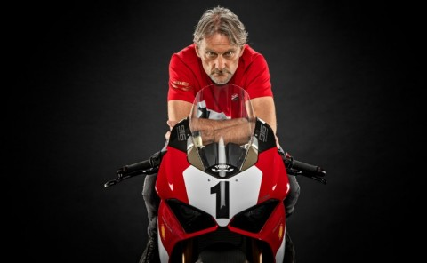 25 Tahun Eksistensi Ducati Panigale V4 916