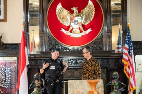 Perempuan Paspampres AS Keturunan Indonesia Sowan ke KBRI