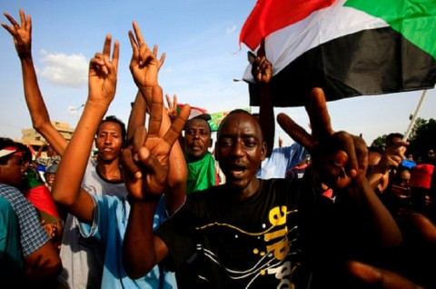 Demonstran Sudan Tuntut Keadilan atas Pembunuhan Massal