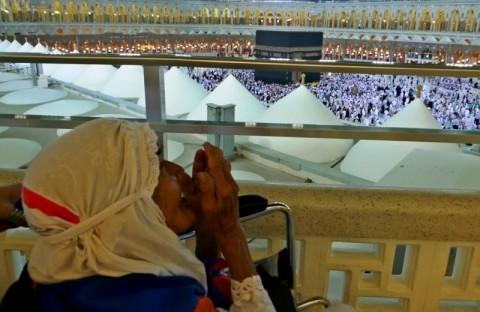 Empat Calon Haji di Surabaya Tertunda ke Tanah Suci