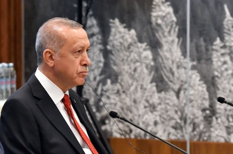 Erdogan Minta Trump Cari Jalan Tengah Soal S-400