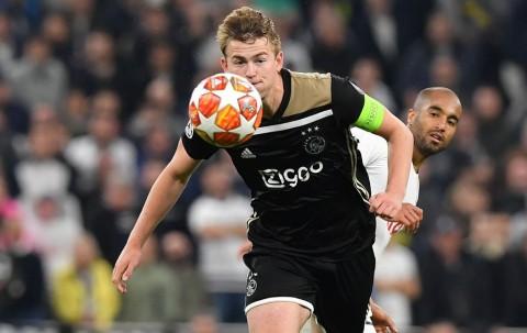 De Ligt Kian Dekat dengan Juventus