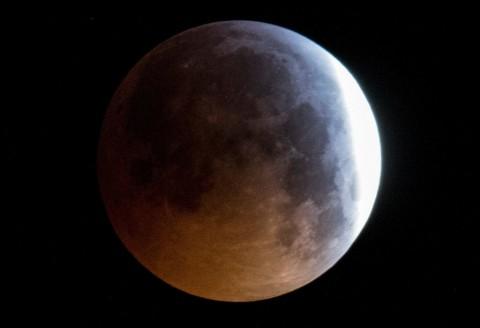 Gerhana Bulan Rayakan Pendaratan Manusia di Bulan ke-50