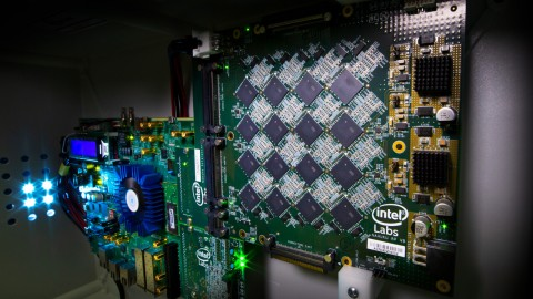 Intel Rakit Komputer Mirip Otak Manusia