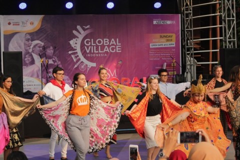 Global Village Summer 2019 Kobarkan Semangat Toleransi Perbedaan