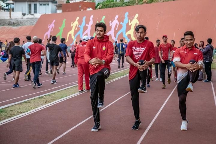 Arak-arakan Api Abadi Buka Rangkaian ASEAN School Games 2019