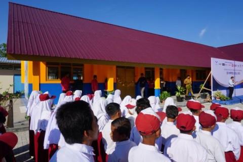 Siswa Korban Gempa Sigi Sambut Sekolah Baru