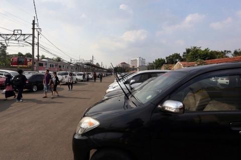 Siap-siap Pemilik Mobil Tak Punya Garasi Bakal Didenda