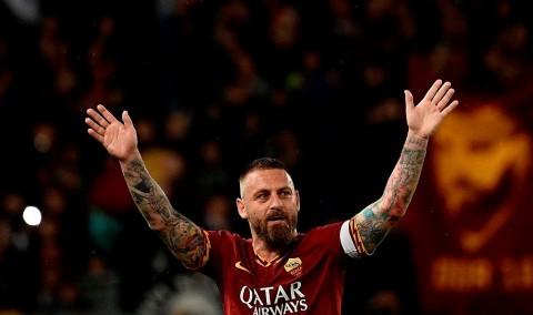 Milan Gigit Jari, De Rossi Selangkah Lagi Gabung Boca Juniors