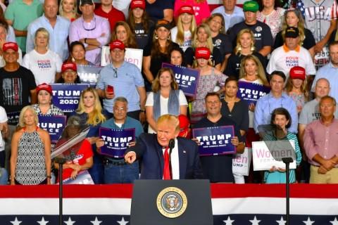 Ketegangan Trump dengan Politikus Partai Demokrat Meruncing