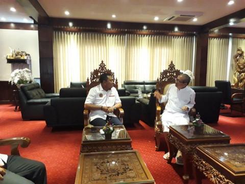 Mantan Bupati Gianyar Raih Penghormatan Satya Lancana Karya Bhakti Praja Nugraha