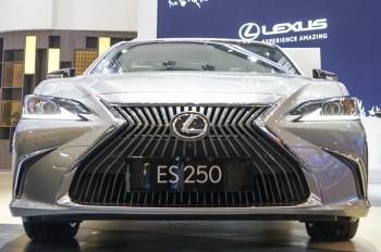 Lexus ES 250 Meluncur Seharga Rp1,1 Miliar