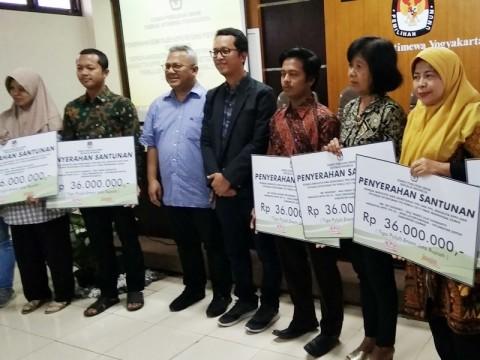 KPU Beri Bantuan ke Keluarga KPPS di DIY yang Meninggal
