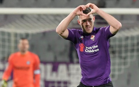 Roma Bajak Gelandang Fiorentina