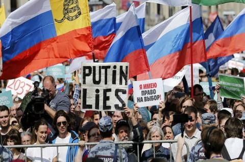 Ribuan Warga Rusia Tuntut Pemilu Bebas dan Adil