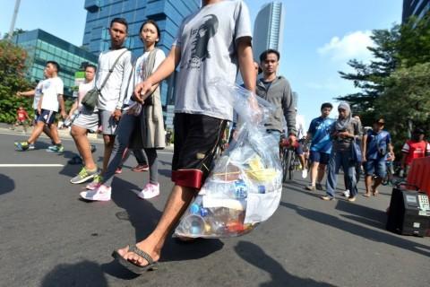 Agustus, Anies Rampungkan Pergub Sampah Plastik
