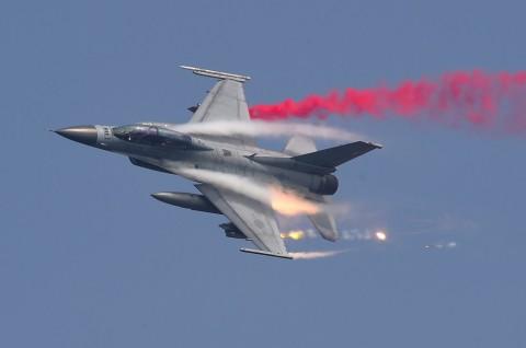 Jet Korsel Lepaskan Tembakan Peringatan ke Pesawat Rusia