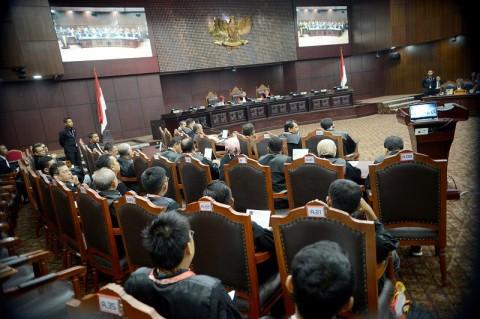 Kelakar Hakim MK Sindir Penyerangan Saat Persidangan