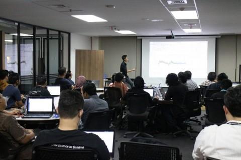 Garap Ilmuwan Data, Algoritma Gandeng Politeknik Singapura