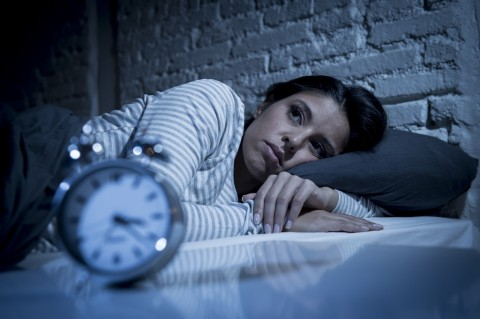 Tips Tenangkan Pikiran Sebelum Tidur