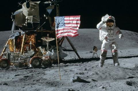 Sudah 50 Tahun, Masih Ada yang Percaya Pendaratan di Bulan Hoaks