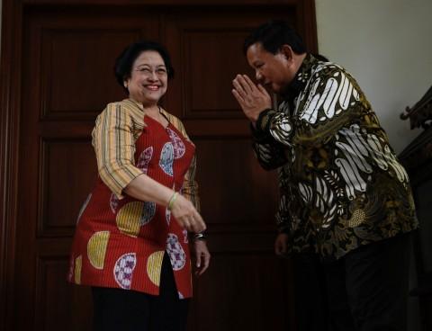 Prabowo Hadiahi Lukisan untuk Megawati
