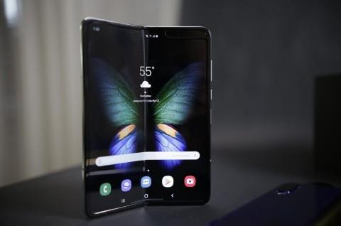 Samsung Tunda Galaxy Fold di Pasar Kecil?