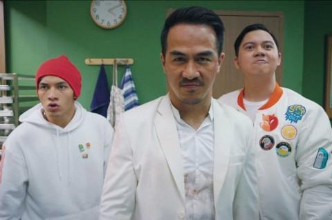 Jenguk Jefri Nichol, Chandra Liow dan Joe Taslim Bawakan Nasi Padang