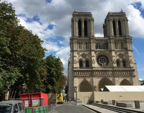Gelombang Panas Ancam Struktur Katedral Notre Dame