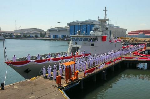 Menhan Terima Kapal Perang KCR 60 dari PT PAL