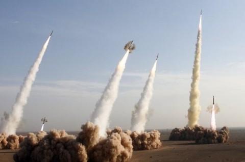 Iran Luncurkan Rudal Berjarak Tempuh 1.000 Km