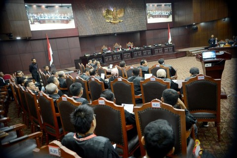 Hakim MK Ancam Usir Kuasa Hukum Caleg DPD Papua Barat