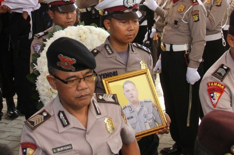 Polisi Korban Penembakan Polisi Dimakamkan