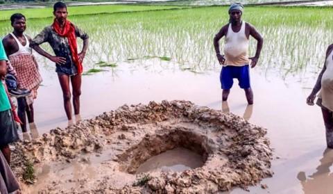 Warga India Dikejutkan Dengan Jatuhnya Meteor