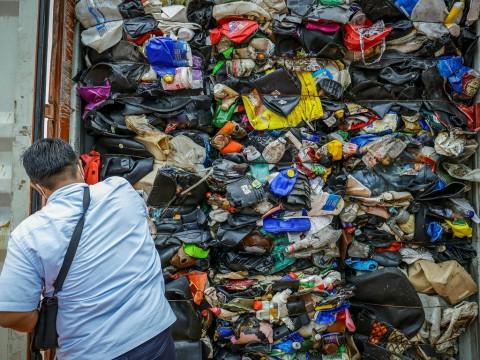 Pemerintah Revisi Aturan Soal Sampah Impor