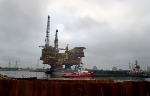 Harga Minyak Terkerek Sengketa Kapal Tanker Teluk