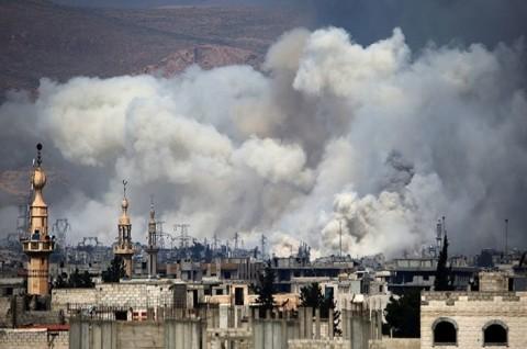 Serangan di Suriah Tewaskan 100 Warga dalam 10 Hari