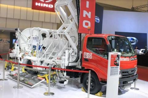 Truk Bahan Bakar Pesawat, Hino Hydrant Dispenser Show-off di GIIAS