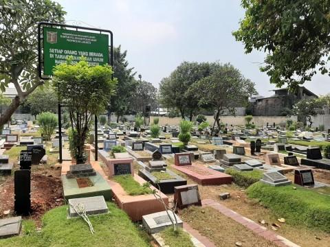 Warga Tak Suka Makam Keluarganya Ditumpuk